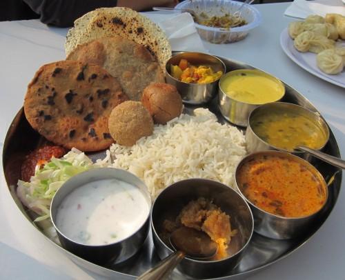 Resultado de imagen para un thali indio