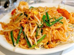 Pad Thai fideos tailandeses